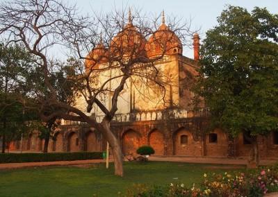 Delhi, Szafdardzsang síremlékéhez tartozó dzsámi